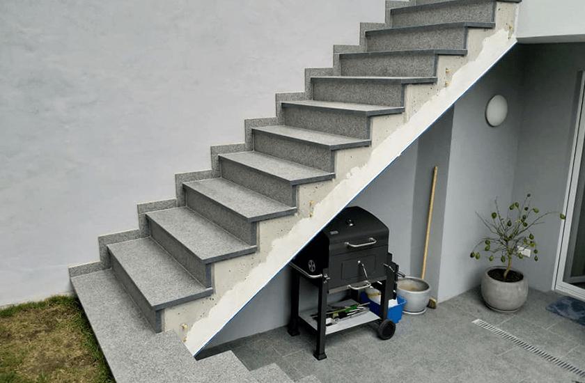 Menzel Treppe aus Nero Impala 02