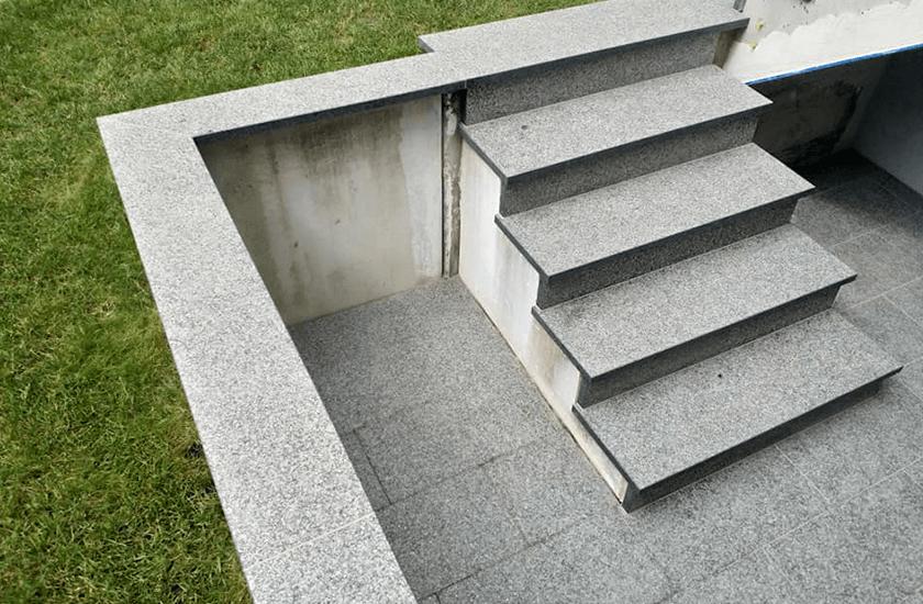 Menzel Treppe aus Nero Impala 03